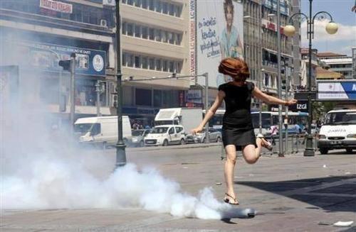 scontri in turchia immagini